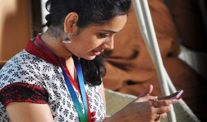 वोडाफोन ने लॉन्च किया 392 रुपए का नया प्लान,  फ्री अनलिमिटेड कॉल्स और 28 दिन के लिए मिलेगा 28जीबी 4जी डाटा- India TV Paisa