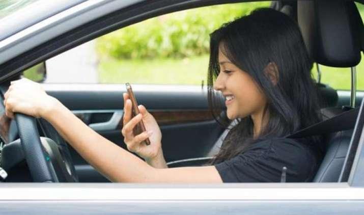 इस दिवाली ऑनलाइन शॉपिंग और ई-गिफ्ट्स की धूम, स्मार्टफोन का जमकर सहारा ले रहे हैं लोग- India TV Paisa