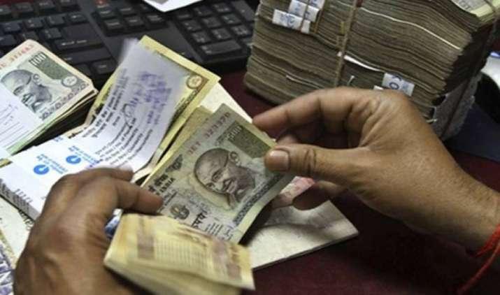 नोटबंदी के बाद ब्लैक को व्हाइट करने वाली 5800 कंपनियों का पता चला, 13140 बैंक खातों में किए थे 4574 करोड़ रुपए जमा- India TV Paisa