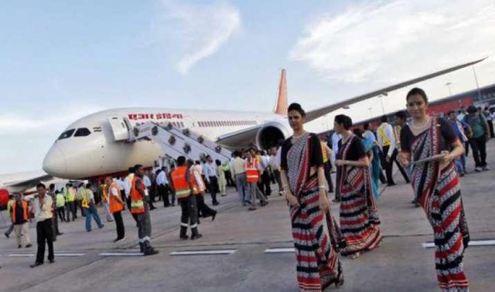 घरेलू हवाई यात्रियों की संख्या में हो रही है वृद्धि, अक्टूबर में एयर पैसेंजर्स की संख्या पहली बार एक करोड़ के पार- India TV Paisa
