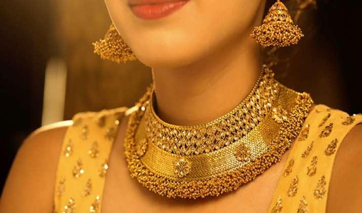 सोना चमककर हुआ 30,390 रुपए प्रति दस ग्राम, चांदी में आई 650 रुपए/किग्रा की तेजी- India TV Paisa