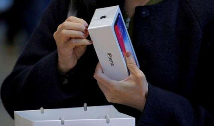 अमेजन पर शुरू हुआ एप्पल आईफोन डिस्काउंट फेस्ट, सिर्फ 17,999 रुपए में मिल रहा है iPhone SE- India TV Paisa