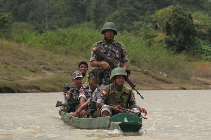 Myanmar orders Rohingya Muslims to leave tense border zone   AP- India TV