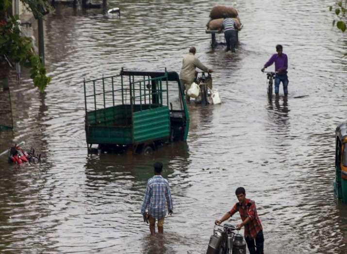 Heavy rains lash south Gujarat- India TV Hindi