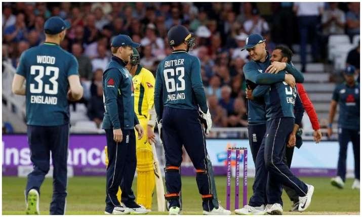 इंग्लैंड की टीम- India TV Hindi