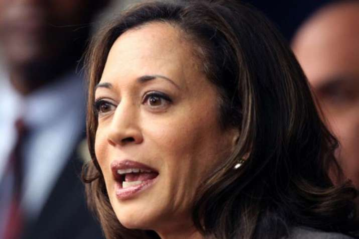 Indian-origin senator Kamala Harris not ruling out 2020 White House ambition | AP- India TV Hindi