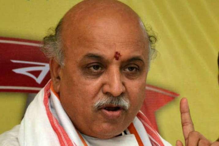राम मंदिर निर्माण पर ध्यान ना देकर मोदी सरकार ने हिन्दुओं को छला: तोगड़िया- India TV Hindi