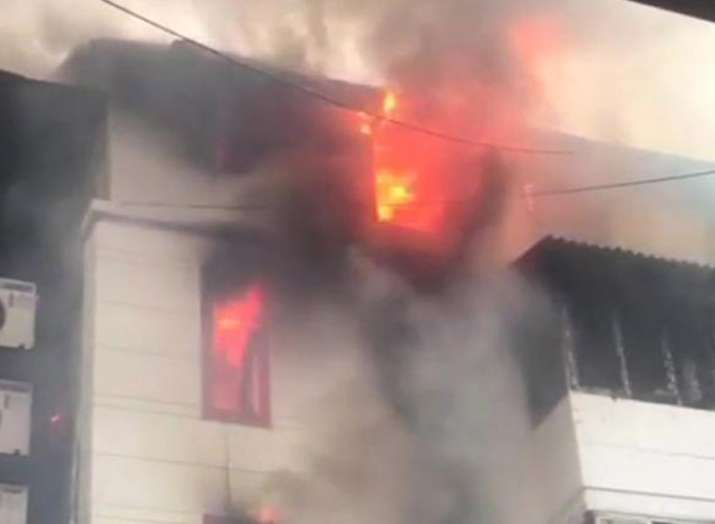 Mumbai Fire in building at Charni Road one dead- India TV Hindi