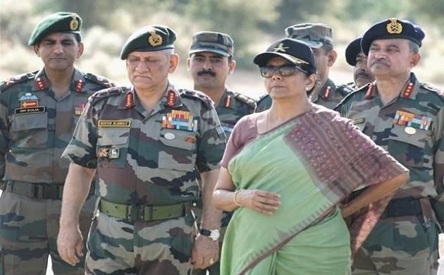 रक्षा मंत्री निर्मला...- India TV