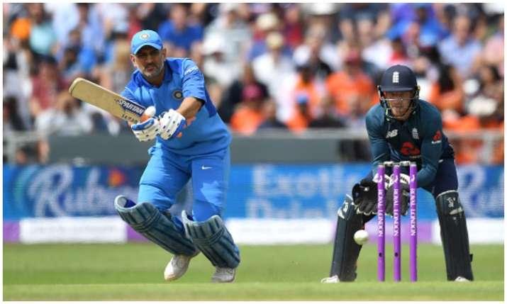 महेंद्र सिंह धोनी के...- India TV