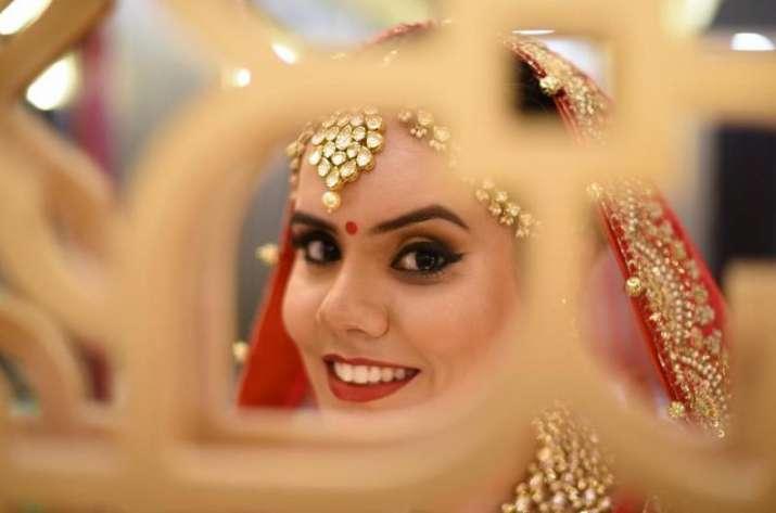 India Gold Import falls 25 percent during June quarter but silver import rose 32 percent- India TV Paisa