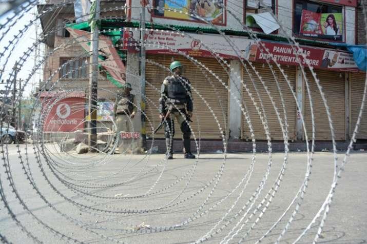 जम्मू एवं कश्मीर: अलगाववादियों के बंद से जनजीवन प्रभावित- India TV Hindi