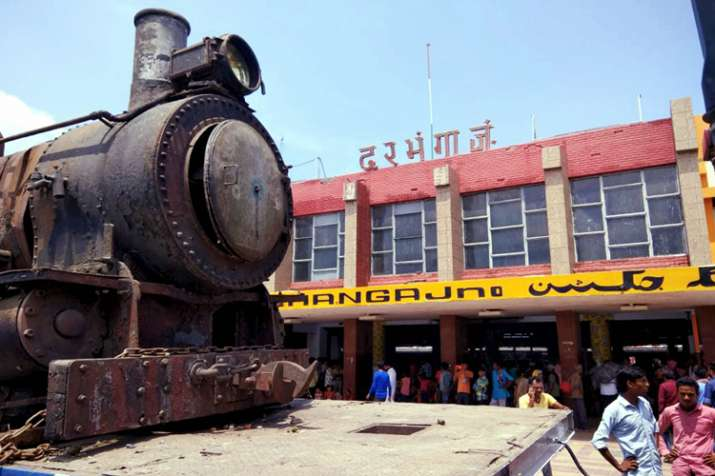 England-made 105-Year old steam rail engine that was...- India TV Hindi