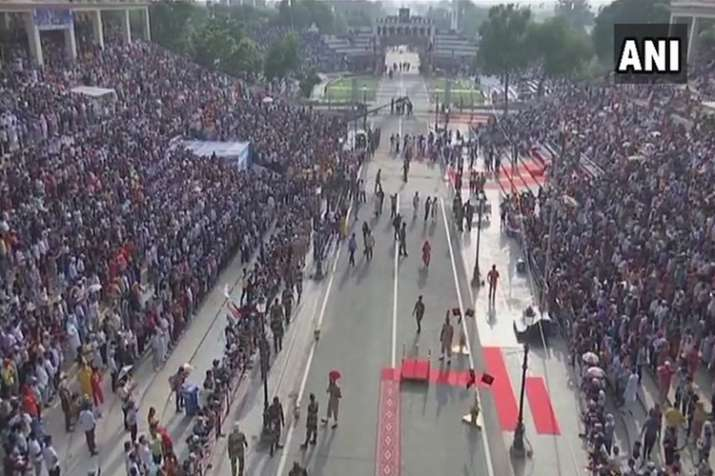 Punjab: Huge crowd gathers at Attari-Wagah border to...- India TV