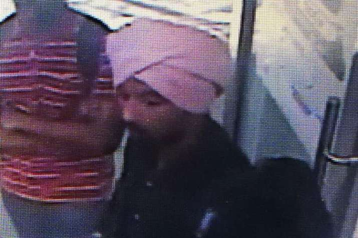 Singapore: Bangladeshi man disguised as Sikh to rob pawn shop arrested | Singapore Police- India TV
