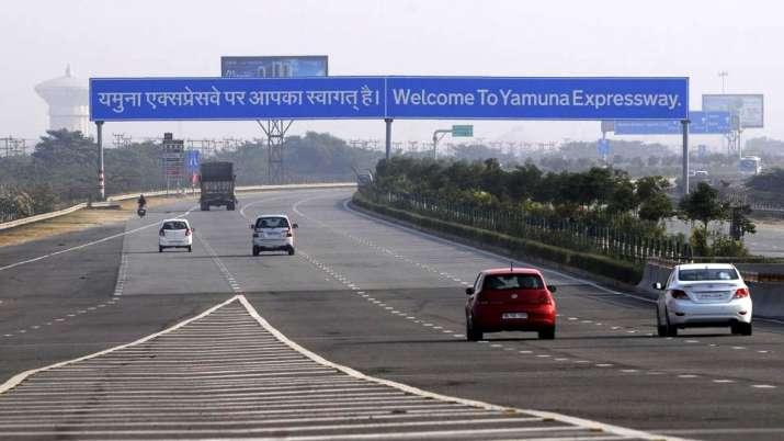 Yamuna Exressway - India TV Paisa