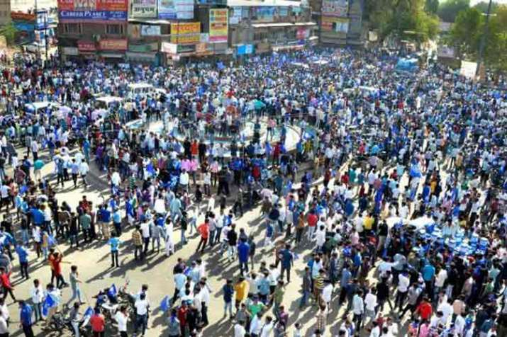 Violent protests in many states during bharat bandh- India TV Hindi