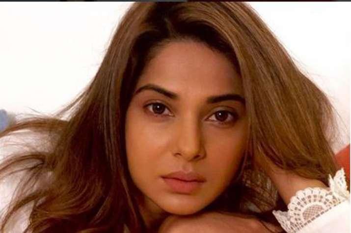 Jennifer Winget- India TV Hindi