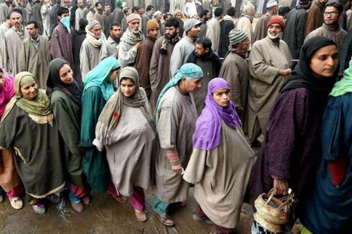 जम्मू एवं कश्मीर में पंचायत चुनाव के तीसरे चरण के लिए मतदान शुरू- India TV