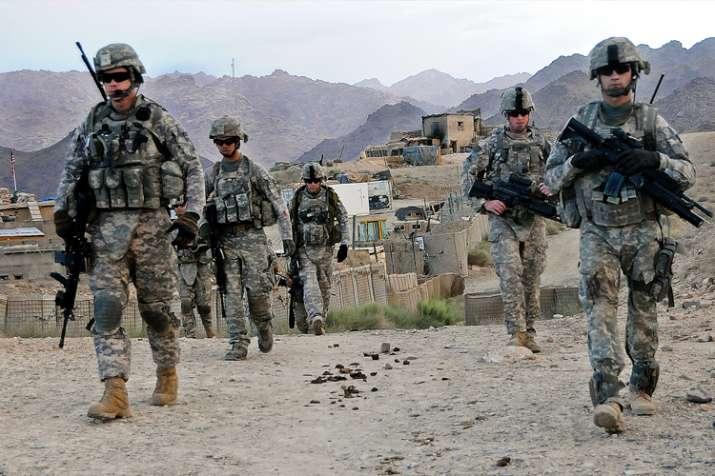 सीरिया के बाद अब अफगानिस्तान से 7,000 सैनिकों को वापस बुलाएगा अमेरिका - India TV