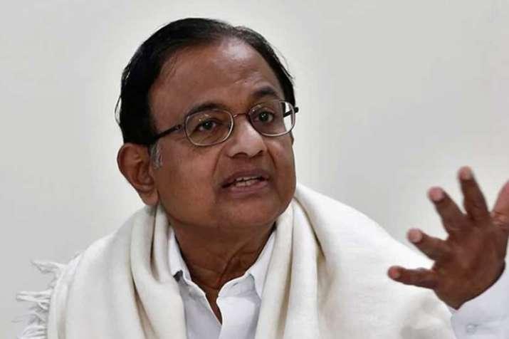 चिदंबरम ने जीएसटी के तहत भाजपा की 8 कर दरों को 'मूर्खता' बताया- India TV Hindi