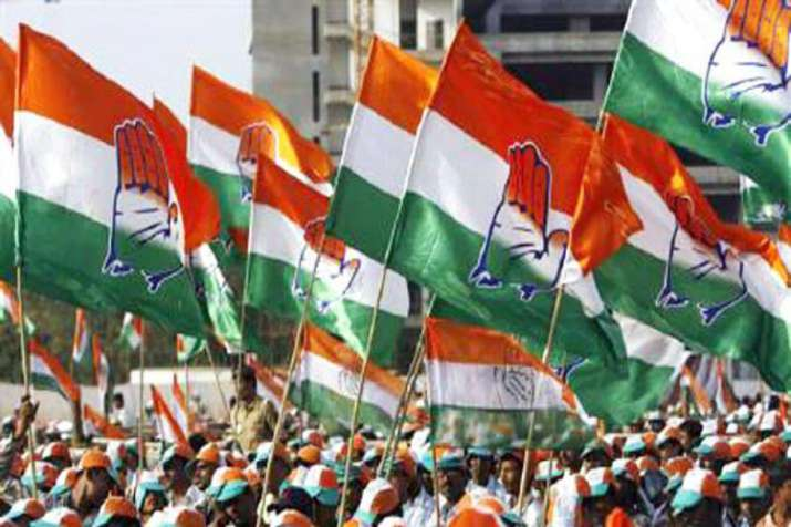 Congress issues notices to 4 Karnataka MLAs who skipped party meeting- India TV