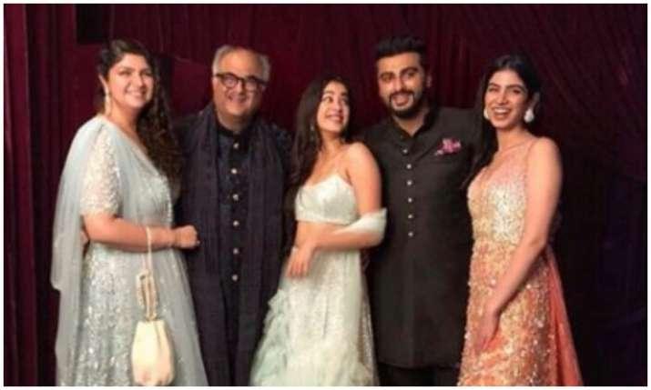 Kapoor Family- India TV
