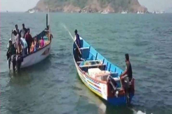 The Indian Navy has also been roped in to assist in the search operation off Karwar bridge in Kali R- India TV