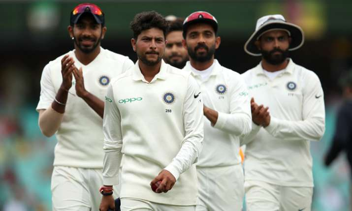 5 विकेट लेने के बाद कुलदीप यादव ने अपने हीरो को लेकर कही ऐसी बात कि भावुक हो गए शेन वॉर्न - India TV