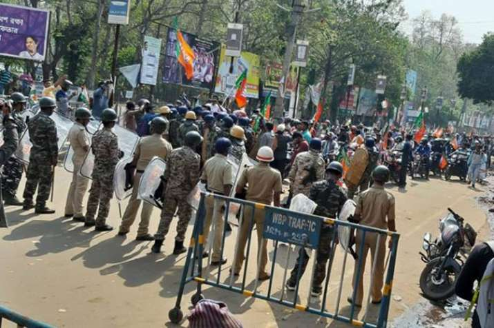 BJP workers clash with police after bike rallies prevented in West Bengal | Facebook- India TV Hindi