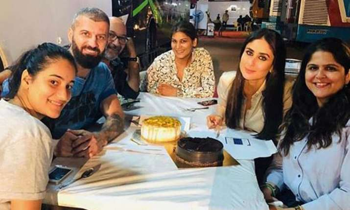 Kareena Kapoor Khan's latest picture from the sets of Good News storms the internet- India TV