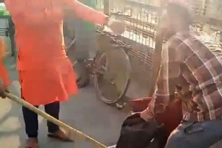 Kashmiri street vendors thrashed in Lucknow, one arrested | PTI- India TV