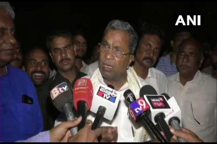 कांग्रेस नेता...- India TV