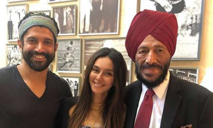 Farhan Akhtar and Shibani Dandekar meet Milkha Singh- India TV