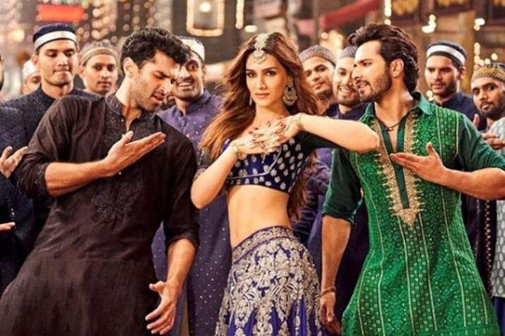 कृति सेनन ने वरुण...- India TV