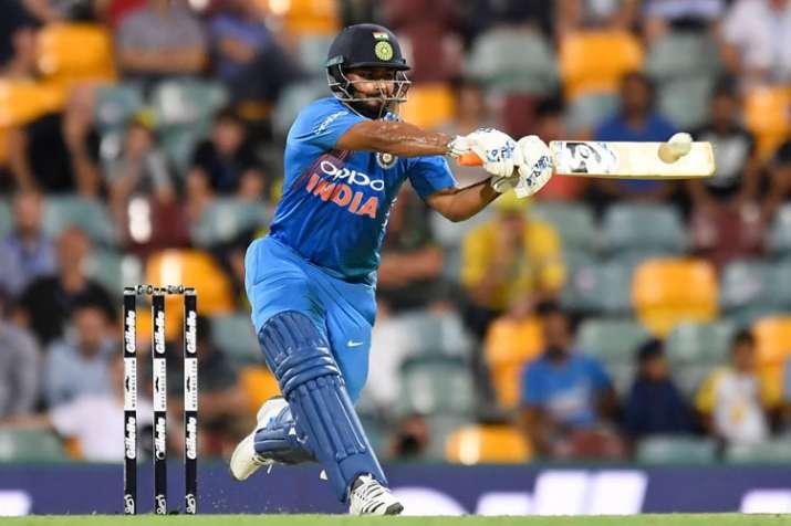 ऋषभ पंत के विश्व कप टीम में शामिल नहीं होने से थोड़ा हैरान हूं: सुनील गावस्कर - India TV