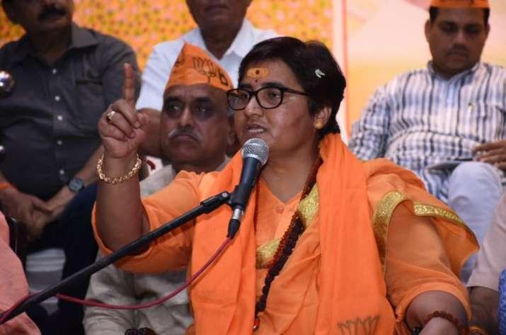 Sadhvi Pragya back steps her statement on Hemant Karkare- India TV