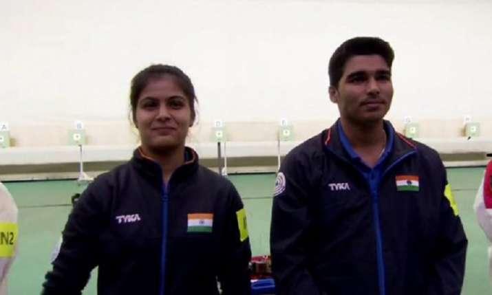 मनु भाकर और सौरभ...- India TV