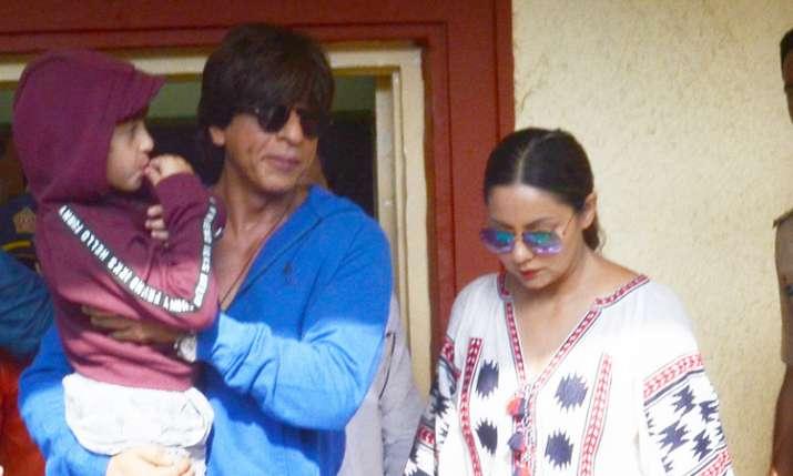 Shah Rukh Khan, Gauri Khan, Abram Khan- India TV Hindi