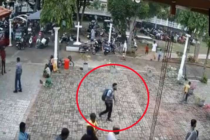 CCTV footage of suspected suicide bomber walking into St Sebastian church on Easter Sunday- India TV Hindi