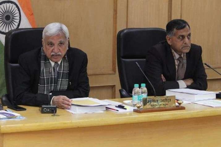 मोदी को क्लीन चिट: चुनाव आयोग की बैठकों से अलग रहेंगे लवासा- India TV