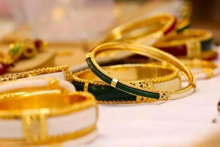 Gold prices rise on global cues- India TV Paisa