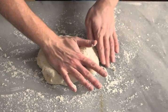 kneading dough - India TV Hindi
