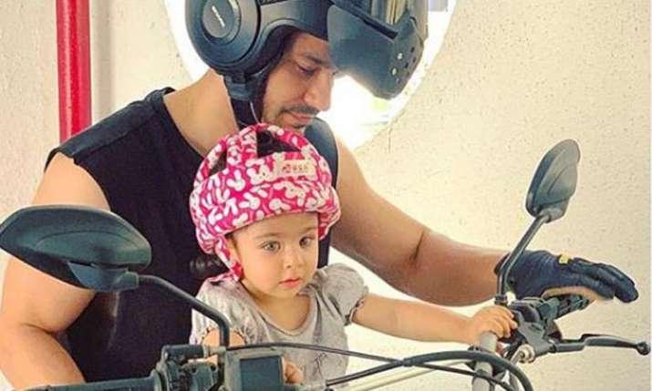 Kunal Kemmu receives best birthday gift from daughter Inaaya Naumi Kemmu- India TV