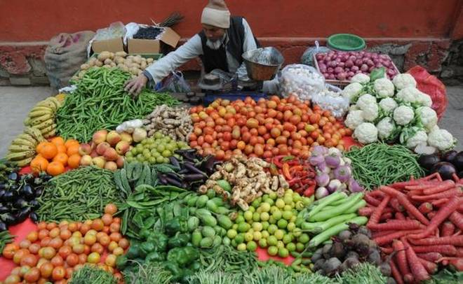Retail inflation inches up to 2.92 pc in Apr, may rise to 4% in FY20 - India TV Paisa