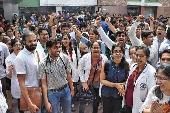 दिल्ली के एम्स, सफदरजंग अस्पताल के डॉक्टरों ने हड़ताल वापस ली- India TV
