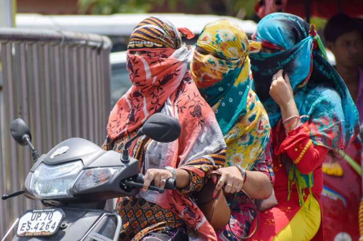 Heatwave continues; rain predicted in some northern states Sunday- India TV