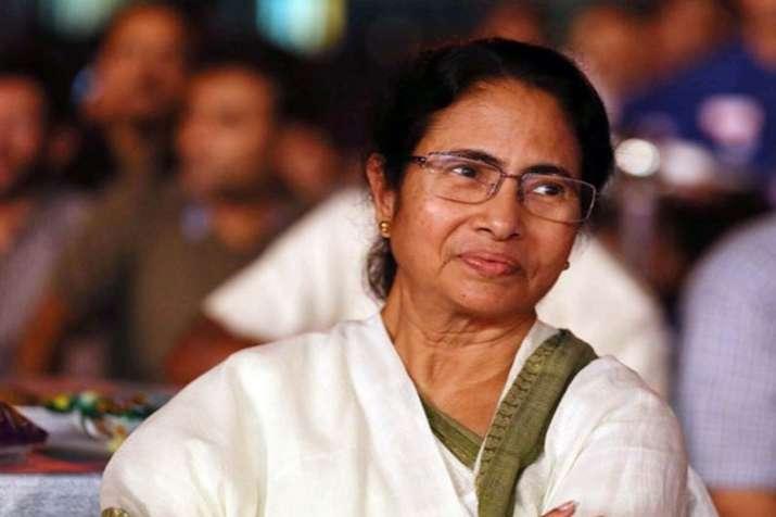 'हमारी पार्टी कचरा फेंक रही और बीजेपी उसे जमा कर रही'- India TV