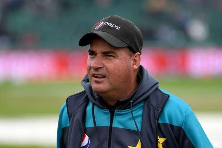 भारत के खिलाफ मैच से पहले पाक कोच ने टीम से पूछा, ''आप किस रूप में याद रखे जाना चाहते हो'' - India TV Hindi