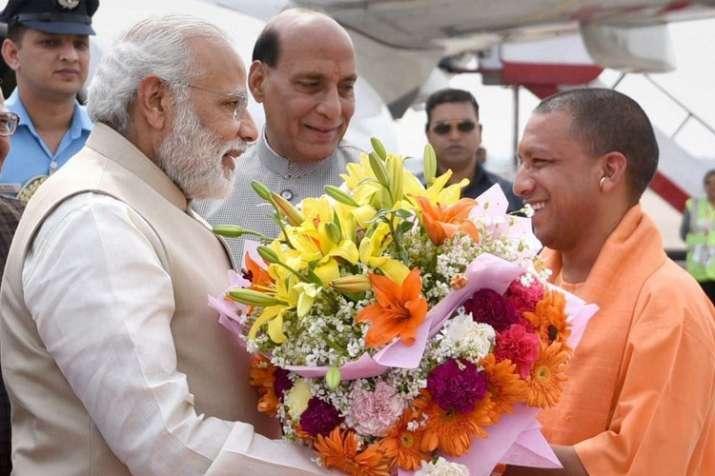 योगी के जन्मदिन पर प्रधानमंत्री, गृहमंत्री और रक्षामंत्री ने दी बधाई- India TV Hindi